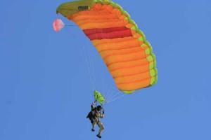 posé eleve pac  davy parachutisme en aquitaine, pau , la réole